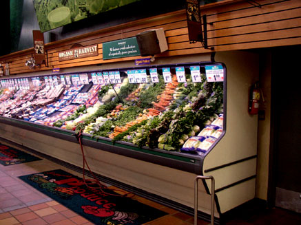 Produce grocery display under Promolux
